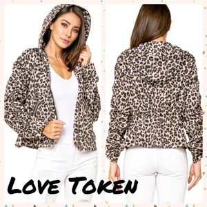 AMIR ROUCHED SLEEVE HOODED LEOPARD  ANORAK JACKET